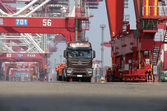 中国一汽发布L4级智能驾驶技术 解放商用车率先使用